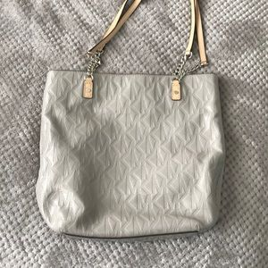 Michael Kors Purse!!! Great condition!
